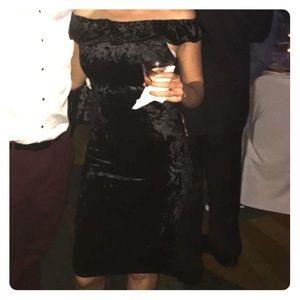 Dresses & Skirts - Women's Black Velvet Dress